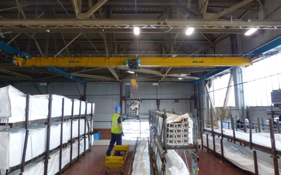 Ceiling mounted underslung crane