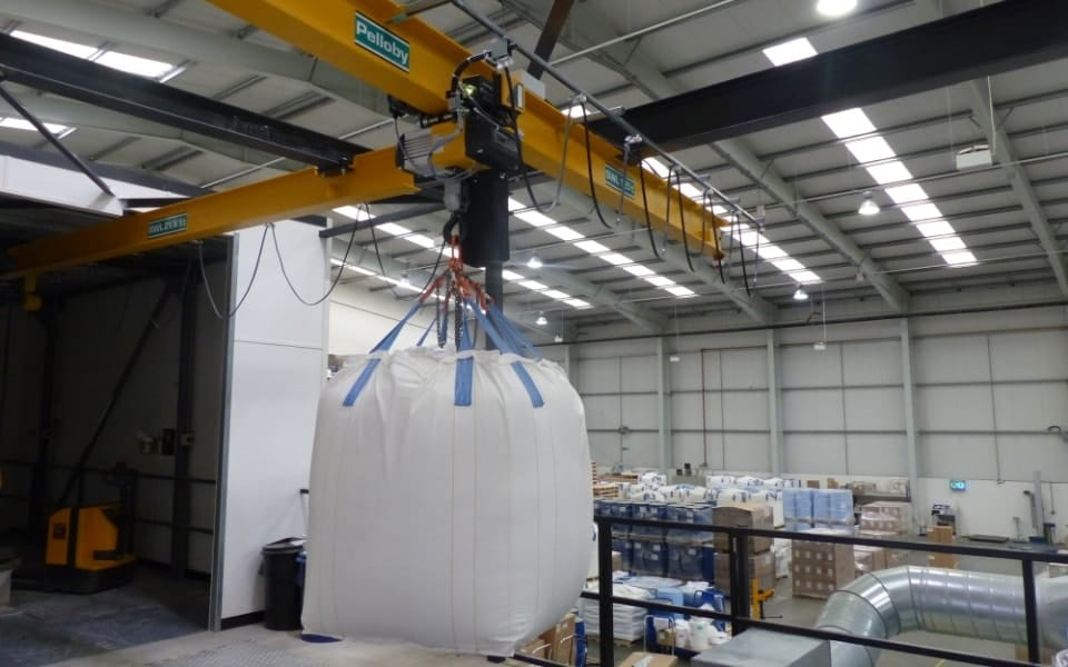 Material Handling Crane Forward Repair System : Monorail cranes post or ceiling mounted