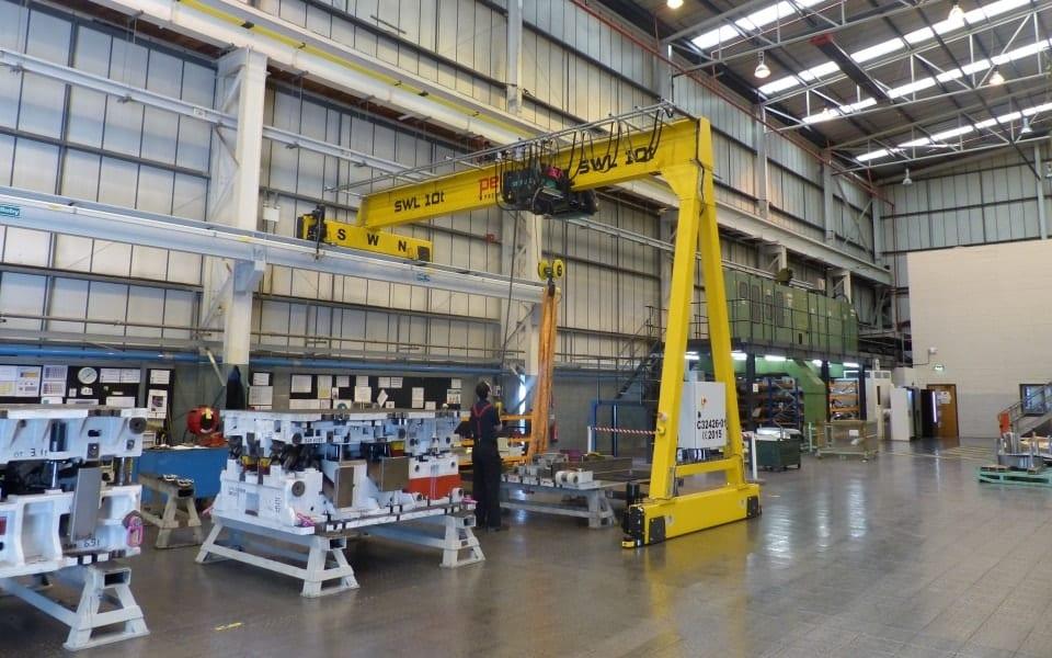 Semi-portal crane BMW 10 tonne