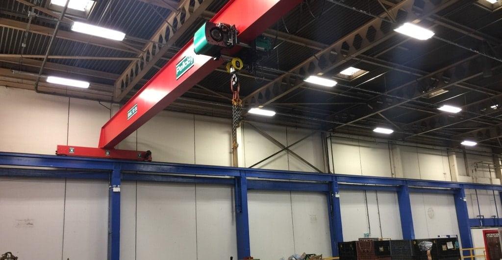 Reinforced gantry for overhead crane