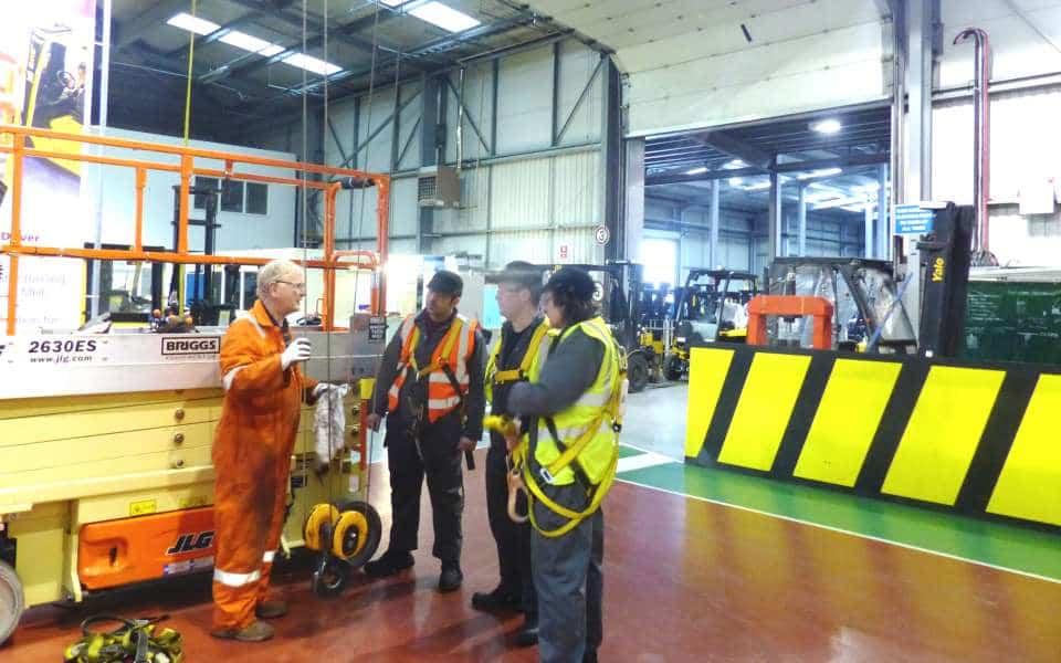 Overhead Crane Operator Course : Overhead crane training jib gantry