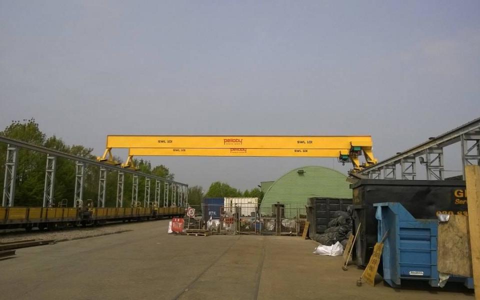 Pelloby Outdoor Overhead Cranes - London Underground