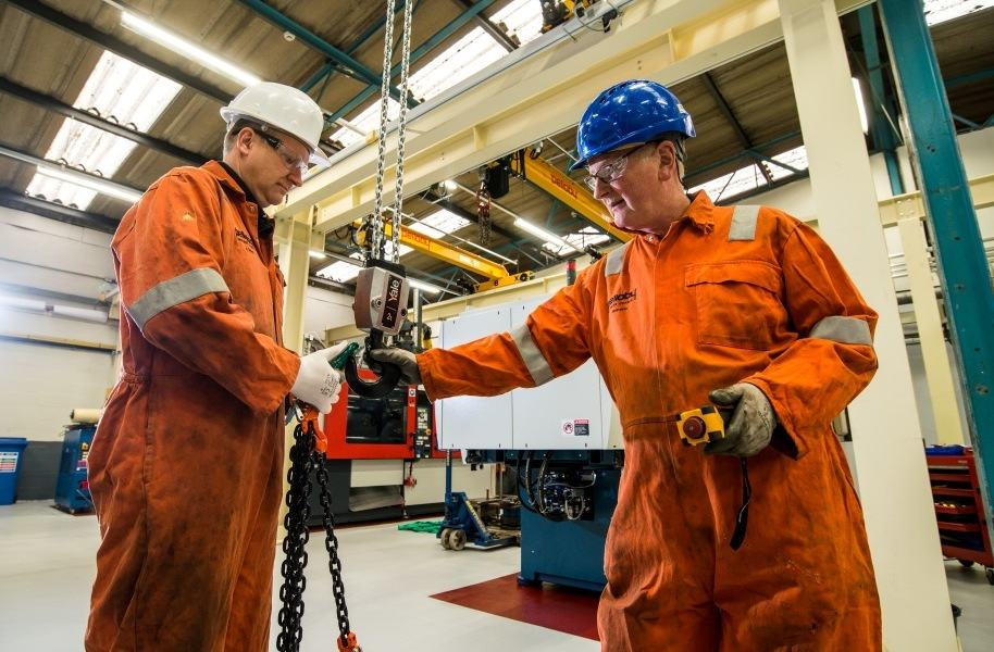 Pelloby Crane Service Engineers