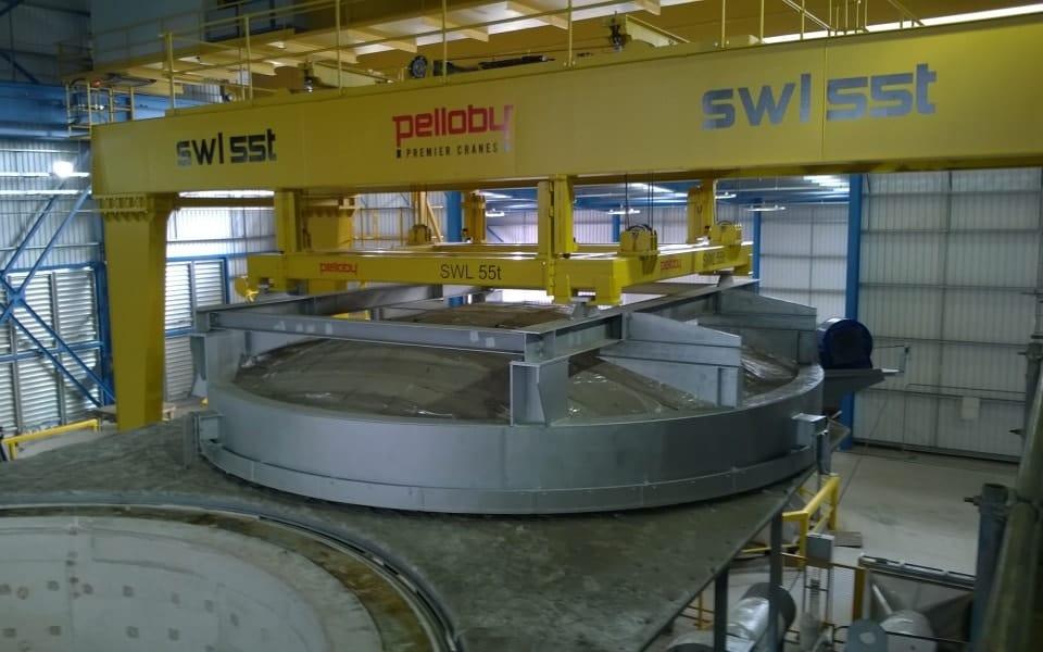 55 tonne crane for lifting furnace lids