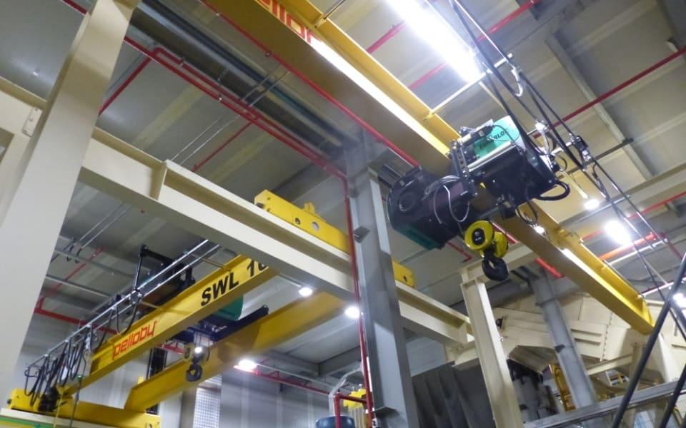 8 Tonne Monorail Crane next to Overhead Crane