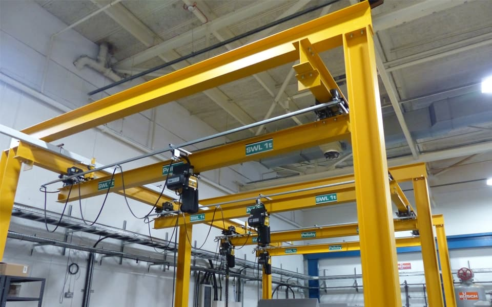 Underslung manual cranes at Busch